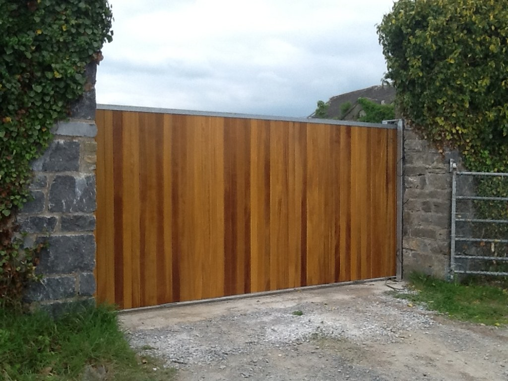 Timber Clad Sheeted Gates Electric Gates Hill